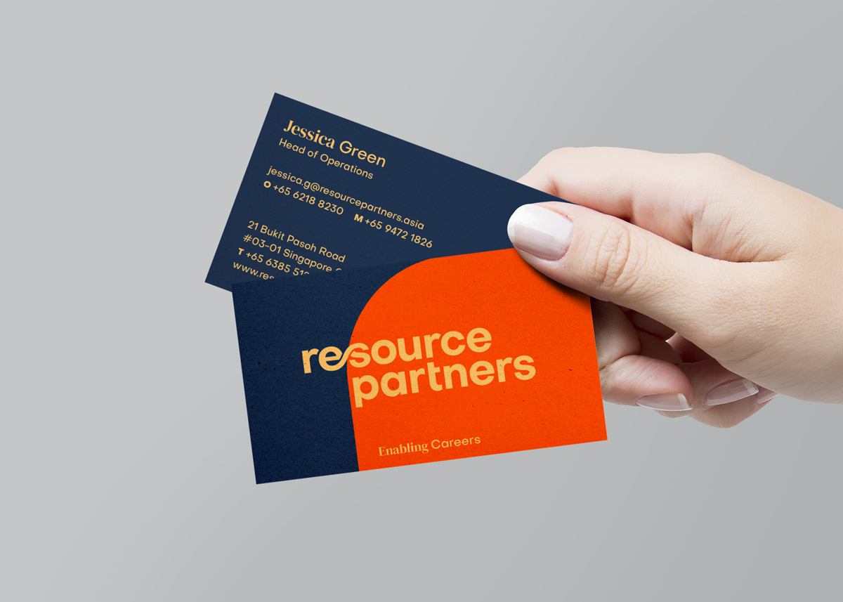 OuterEdit-Re Source Parnters-Namecard-hands